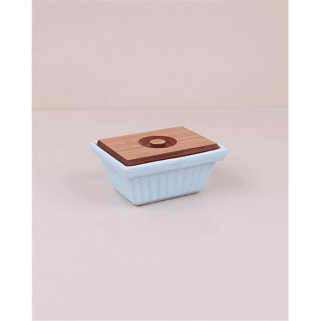 SINGLE COLORED WOODEN COVERED BREAKFAST